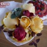 親戚の誕生日にバラのブーケと苺のタルトを。